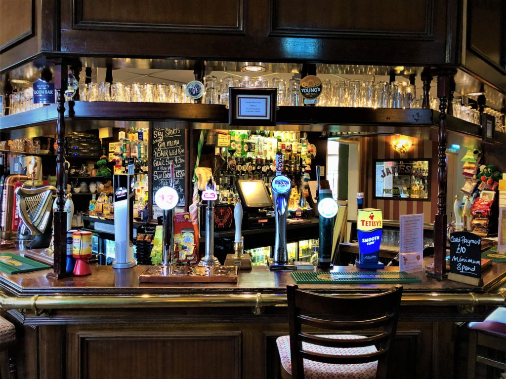 large bar at the Victoria Pub Allerton Bywater